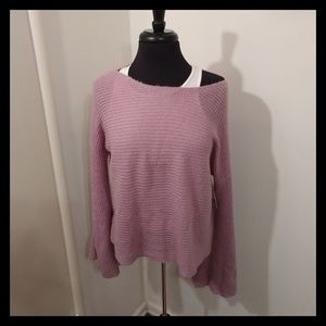 🆕️Brand New NWT Bell Sleeve Sweater
